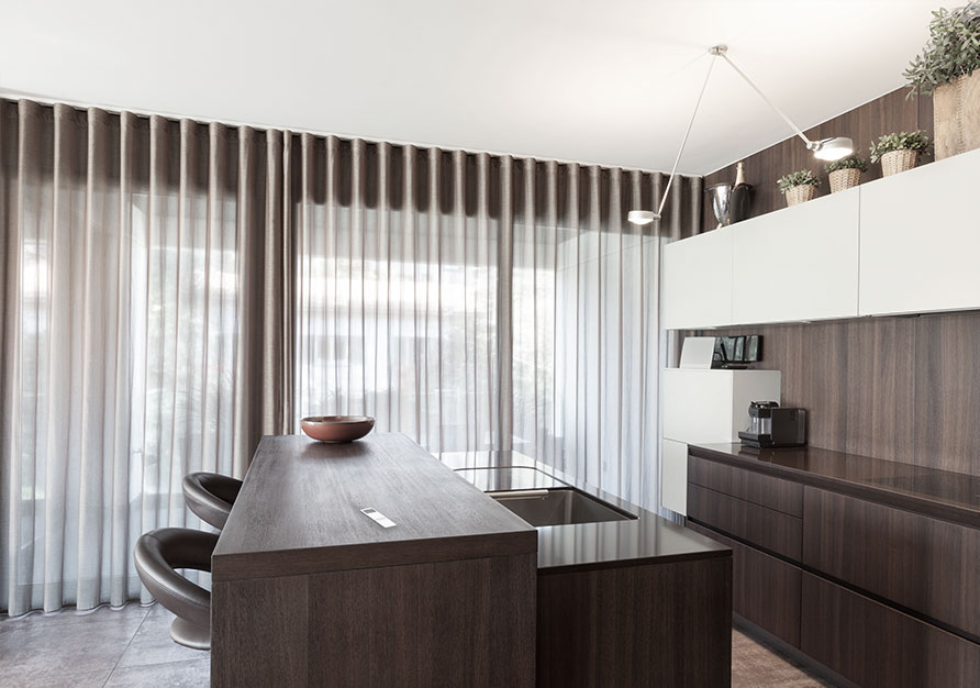 This modern kitchen is finished with Twist confection.